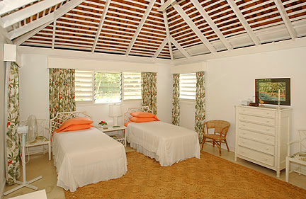 BEDROOM 3 is also optional kingsize or twin beds.  This is a large room, good for parents or children.