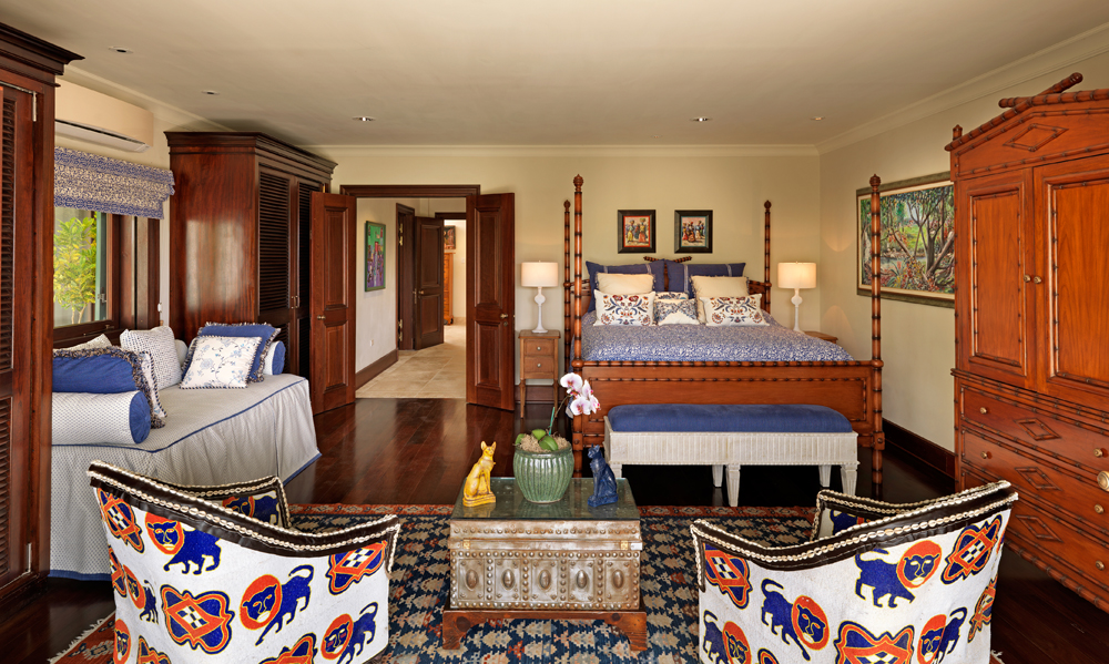 Blue Nile is furnished with a kingsize bed, trundle daybed and two 2 sitting rooms including a an extra kingsize sofa bed.