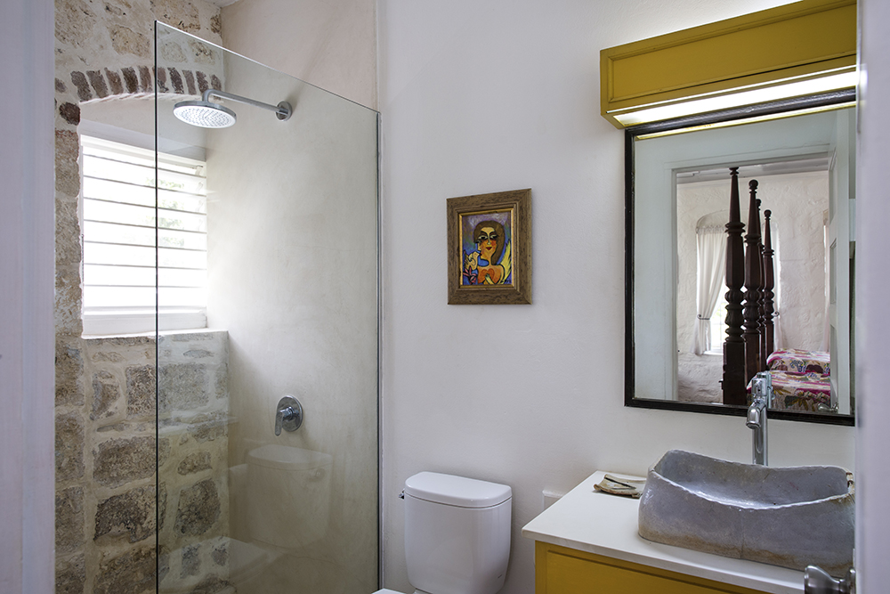 ... an en-suite shower room. Shares a private hall way to Bedroom 2.