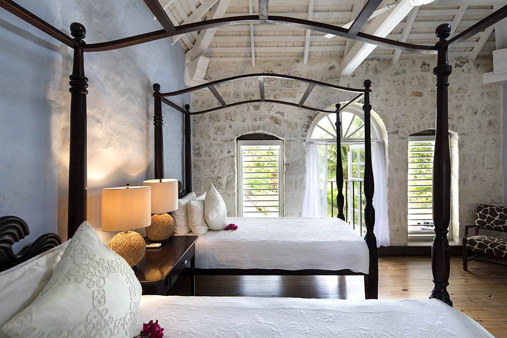 Bedroom 5 has two four poster twin beds with en-suite bathroom overlooking the front of the house.