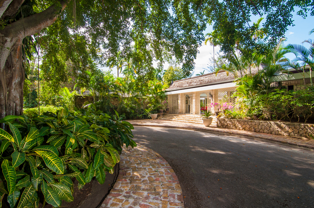 THE GROUNDS OF NOBLE HOUSE