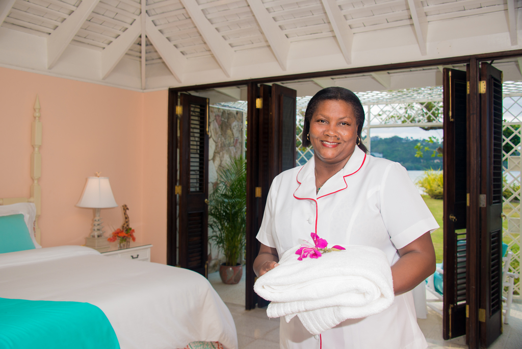 The housekeeping team headed by Ionie looks after your bedroom and bathroom, lamps, linens and laundry, and ensures fluffy towels for bath and beach.