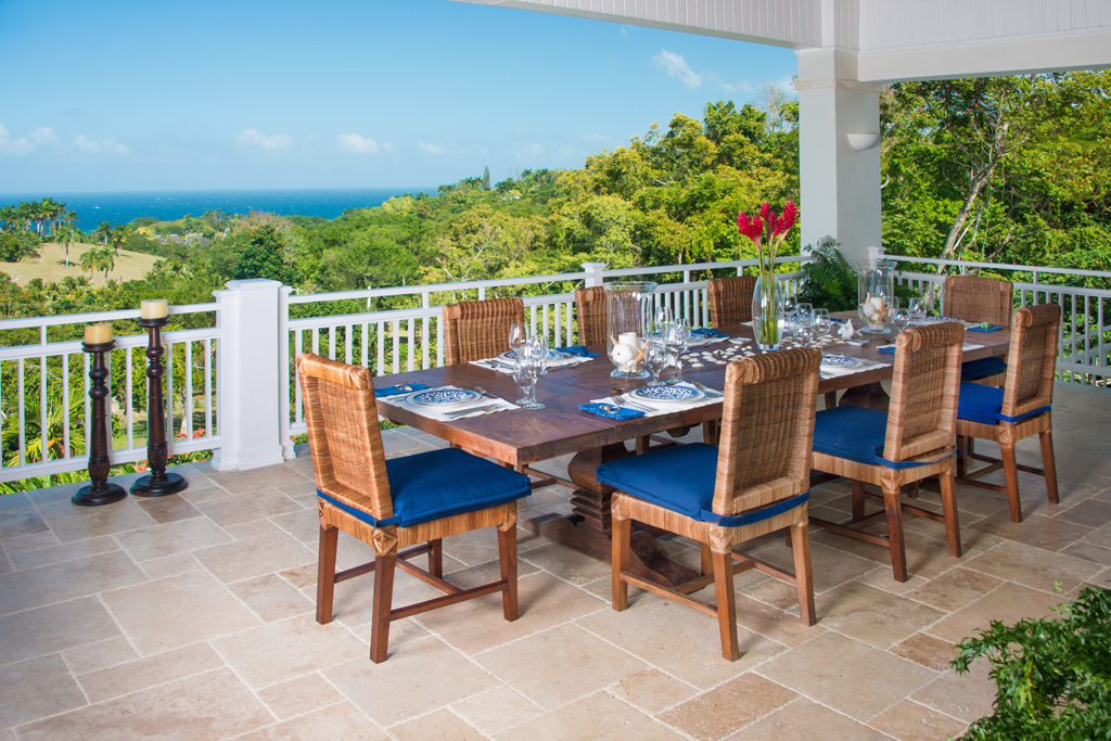 Cooked-to-order breakfasts and casual lunches are served on the open verandah ...