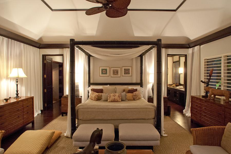 Its en-suite master bathroom ...