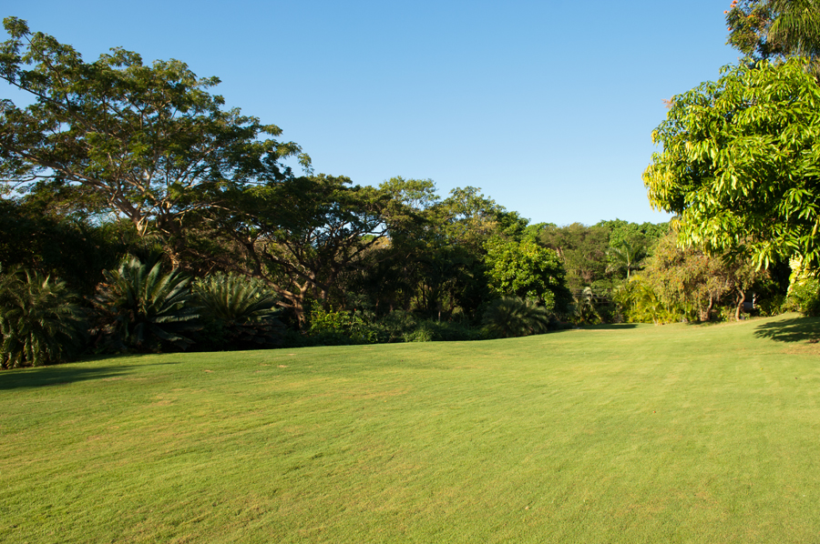 ... and soft grass, past the bocce ball lawn ...