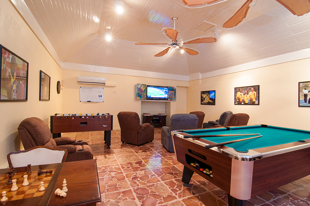 Teens (and parents) flock to the Usain Bolt Games Room, also a few steps from Mirador, for ping pong and pool tables, foosball, chess, air hockey and sports TV.