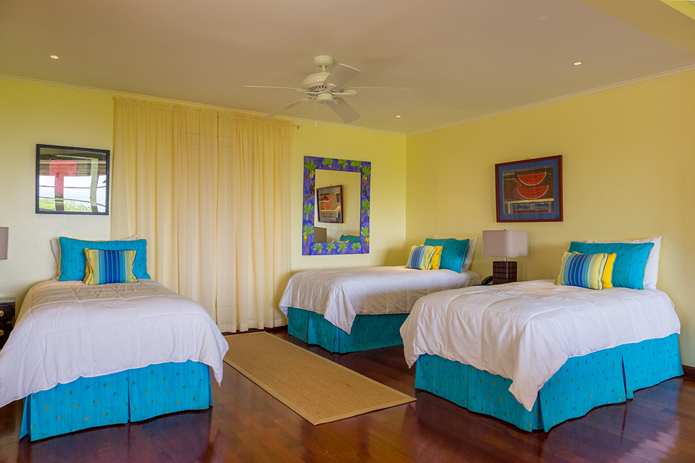 Bedroom 6 with option of one king-size and a twin or 3 twin beds ...