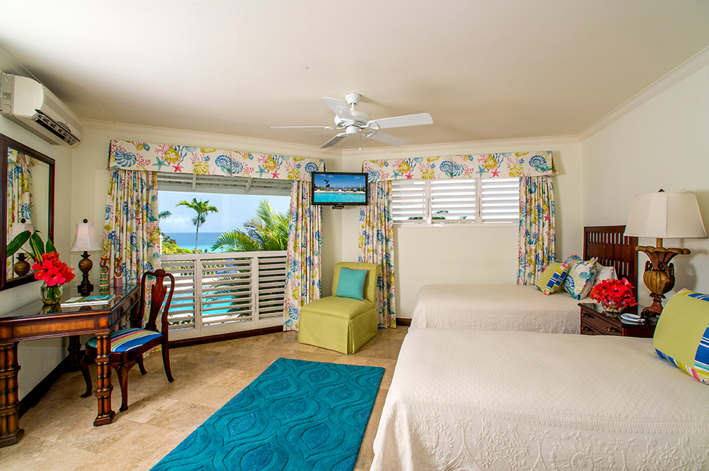 Bedroom 7 – Middle Room (connects to Bedroom 8) Optional kingsize or 2 twin beds.  Easy access to gazebo and pool.